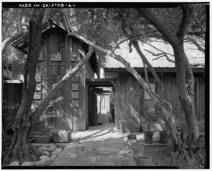 File:Exterior east side workshop (H-1) detail view, facing west. - Sam and Alfreda Maloof Compound, Main Residence and Workshop, 9553 Highland Avenue, Rancho Cucamonga, San HABS CAL,36-RANCU,3A-1.tif
