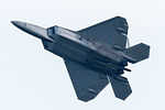 FF171 F-22A overhead approach for R-W05R(1). (8752920816).jpg