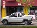 Fiat Strada 1.4 Trekking 2012 (12825350303).jpg