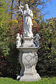 Figurenbildstock Johannes Nepomuk am südlichen Eingang zum Schlosspark in Groß Siegharts 2015-10.jpg