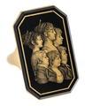 Fingerring av guld med glassiluettporträtt av sex peroner, 1800-talets början - Hallwylska museet - 110214.tif