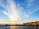 First sun rays in the Harbour of Sète 01.jpg