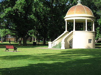 Edinburgh Gardens, Melbourne - Fitzroy Memorial Rotunda, erected in 1925