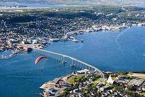 Tromsø-Brücke über dem Tromsøysund