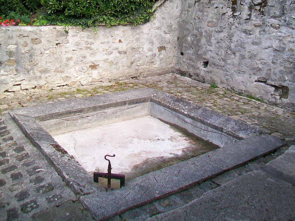File fontenay en parisis 95 lavoir de frontignon petit for Petit bassin