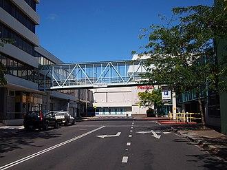 Scentre Group - Image: Footbridge over Neptune Street January 2014