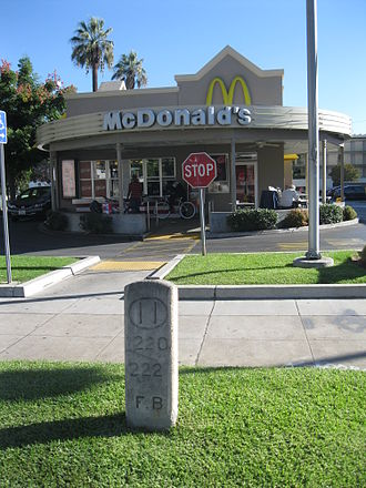 Foothill Boulevard Milestone (Mile 11) - The milestone in its modern setting