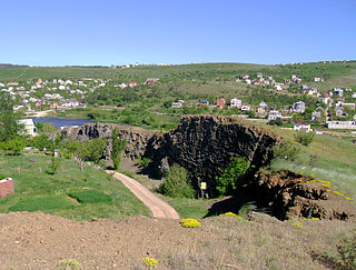 Fossilized lava outcrop near Simferopol, Crimea, Ukraine 09.JPG