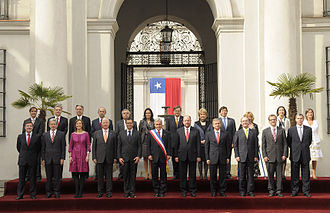 Ministries of Chile - Sebastián Piñera and his Ministers of State in the official photograph for the Bicentennial celebration.
