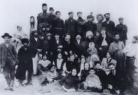 Founders of Beer Yaakov, 1908.png