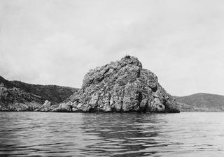 Från havet. Petra Tou Limniti - SMVK - C02354.tif