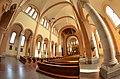 Franz-von-Assisi-Kirche Wien innen panorama.JPG