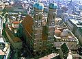 Frauenkirche in Muenchen, Wahrzeichen der Stadt.JPG
