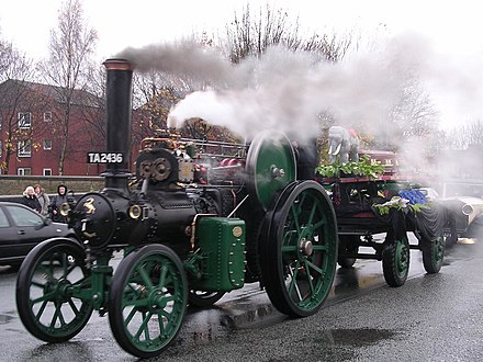 Fred Dibnah's funeral procession (November 2004), headed by Dibnah's 1912 Aveling & Porter
