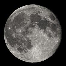 220px-Full_Moon_Luc_Viatour.jpg