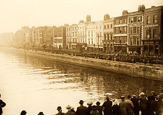 Timeline of the Irish War of Independence - Funeral procession of Major E. Smyth and Captain A.P. White on the Quays in Dublin.
