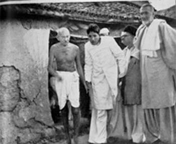 Gandhi Badshah Khan in Bela Bihar 1947