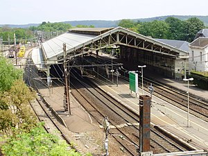 Étampes Station - Étampes station and station roof