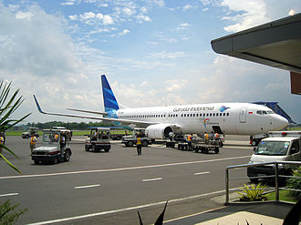 Adisutjipto International Airport - A Garuda Indonesia Boeing 737 NG with new livery at Adisutjipto International Airport, Yogyakarta, Indonesia. (2010)