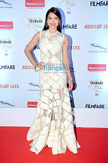 Gauhar Khan gracing 'Filmfare Glamour & Style Awards 2016'.jpg