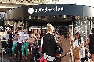 Sunglass Hut - Sunglass Hut kiosk in Sydney