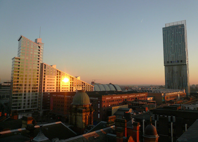File:Great Northern Warehouse and Beetham Tower (edit).jpg