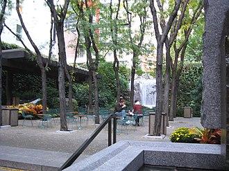 51st Street (Manhattan) - Greenacre Park