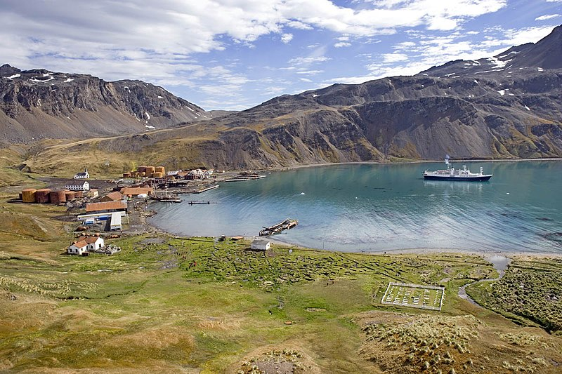 File:Grytviken Harbour, Island of South Georgia, United Kingdom.jpg
