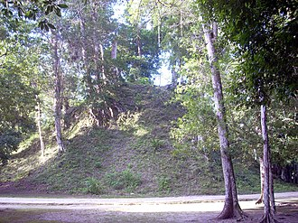 Twin-pyramid complex - Image: Guate Sep Oct 2010 866
