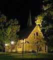 Gustavsbergs kyrka på kvällen.jpg