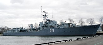 Tribal-class destroyer (1936) - Image: HMCS Haida Hamilton Ontario 1