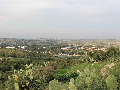 איך מגיעים באמצעות תחבורה ציבורית אל בית נחמיה ה? - מידע על המקום