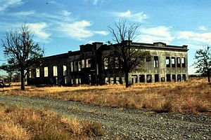 Hanford Site - Hanford High after abandonment