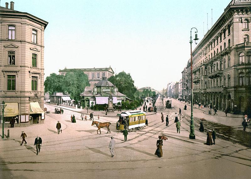 Hannover Georgstra%C3%9Fe mit Theater (um 1895).jpg