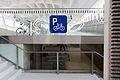 Hauptbahnhof Salzburg - Eingang Schallmoos - Fahrradständer und -boxen.JPG