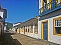 Haus mit gelben Fenstern - panoramio.jpg