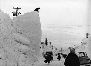 1963 in Japan - A recordable snowfall in Nagaoka, Niigata Prefecture, on January 1963