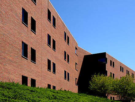 Recessed windows of the monolithic Hereford College Hereford College broadview.jpg