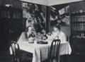 Herwarth und Nell Walden in ihrer Berliner Wohnung, 1916.png