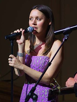 Hillary Lindsey - Image: Hillary Lindsey, ASCAP concert, 2011