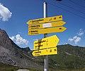 Hintertux trail signs.jpg