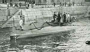 Holland 1 Class Submarine in the IJN.jpg