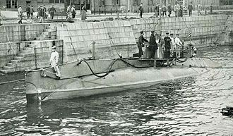 Submarines of the Imperial Japanese Navy - Holland 1-class submarine purchased during the Russo Japanese War