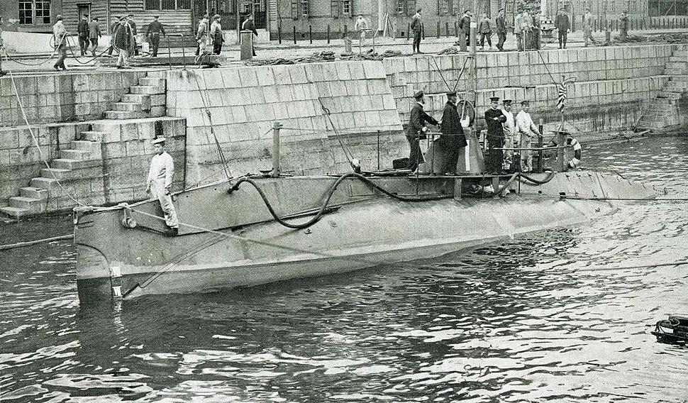 Holland 1 Class Submarine in the IJN