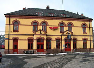 Hønefoss Station - Hønefoss Station's east side facing the city