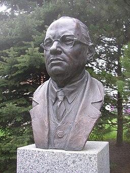 Hrusice CZ Josef Lada bust 323