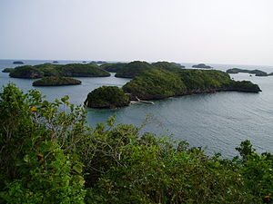 Ilan sa mga pulo sa Hundred Islands National Park