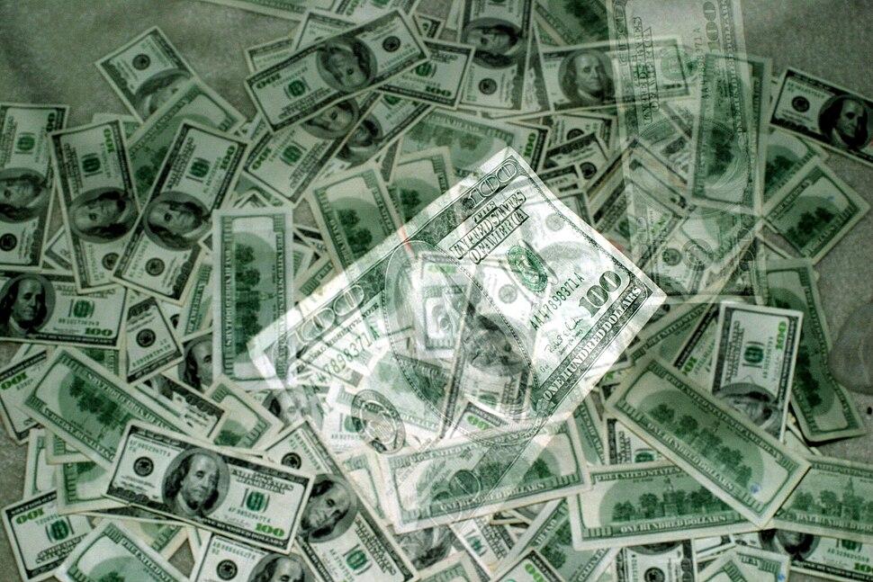 Hundred dollar bill 03