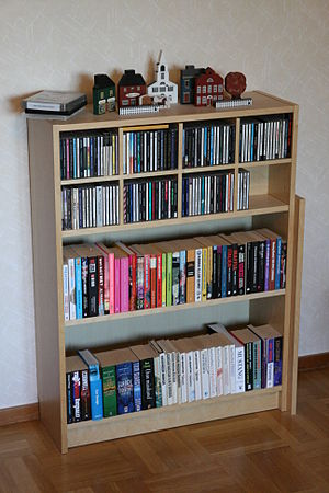 English: An IKEA Billy bookshelf, 80x106 cm, f...