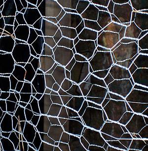 Chicken wire (chemistry) - Chicken wire
